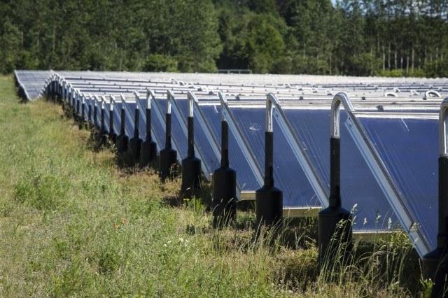 Zu sehen ist ein Solarthermie-Heizwerk von Arcon-Sunmark. Das Unternemhen wurde jetzt an Greenonetec aus Österreich verkauft.