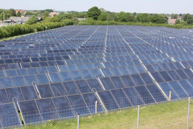Mit Facebook können Solarthermie Unternehmen mehr Akzeptanz für ihre Technik erzielen.