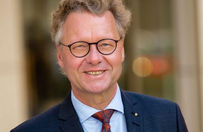 Zu sehen ist Dr. Michael Pietsch, Präsident der VdZ. Der VdZ ist einer der Träger der ISH 2021.