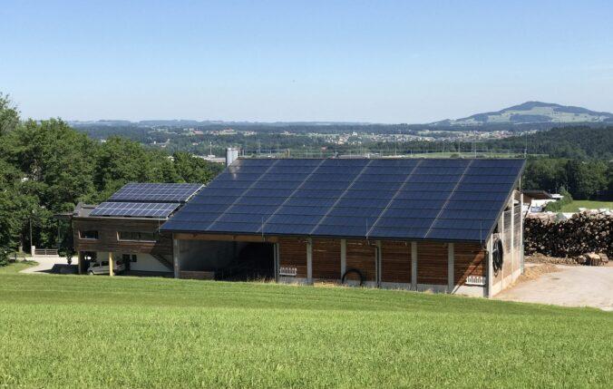 Zu sehen ist eine Solarthermie-Großanlage, die mit dem neuen Quick Check abgeschätzt werden könnte.
