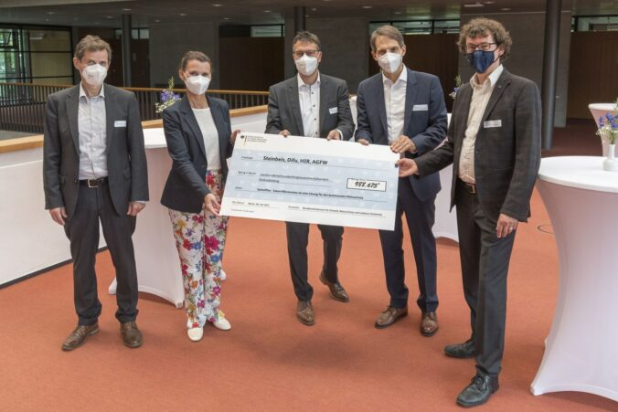 Feierlicher Start des Solarthermie Projektes SolnetPlus