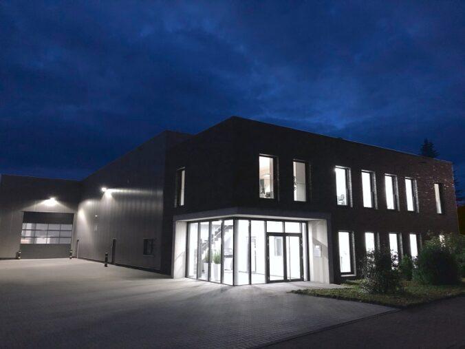 Zu sehen ist der Firmensitz Malotech, einem Spezialisten für Trennsysteme für Solarthermie-Anlagen und anderer hydraulischen Wärmeübertragungssprodukten.