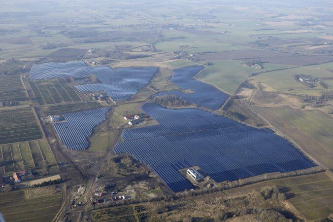 Die größte Solarthermie Anlage der Welt steht im dänischen Silkeborg.